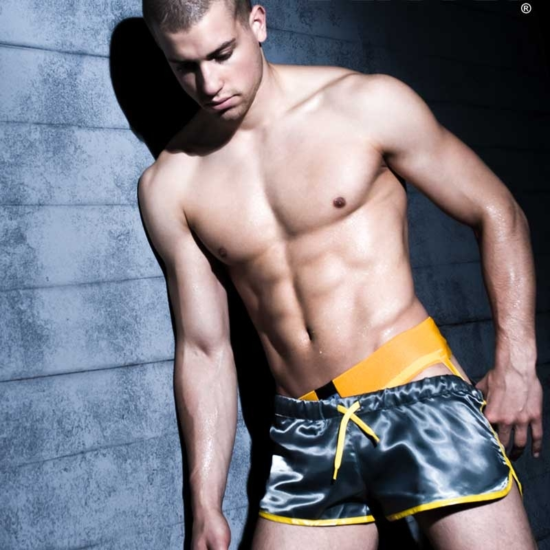 BARCODE Berlin JOCK baseline SERGEY gym 80571 parkour yellow