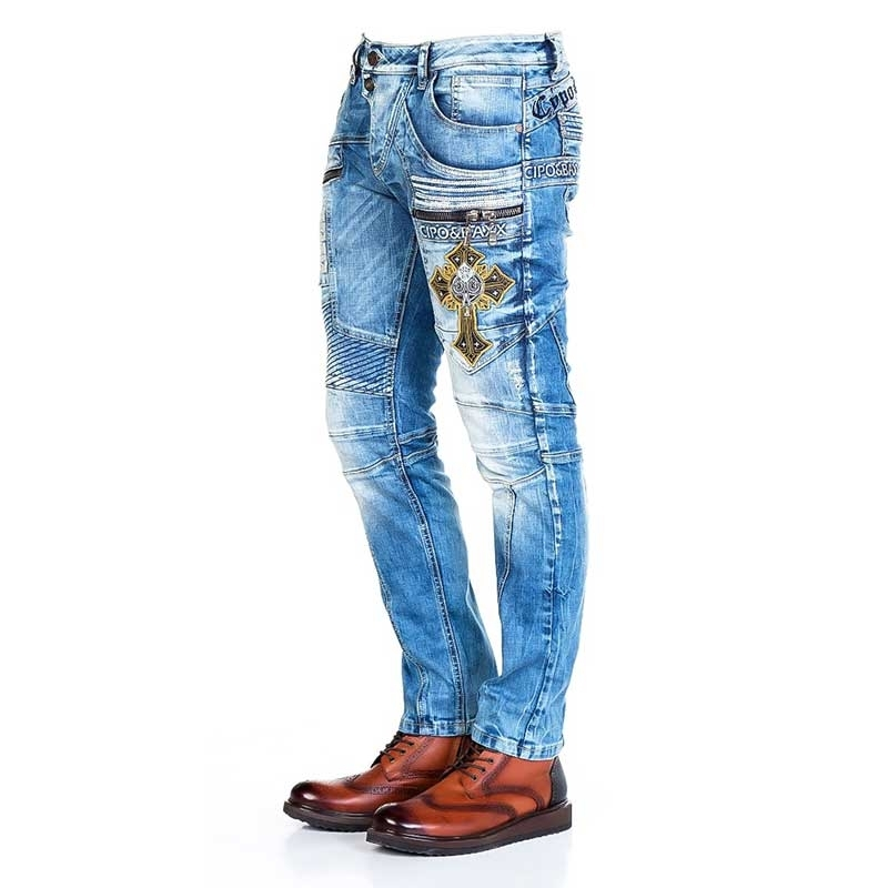 CIPO and BAXX JEANS CD293 with cross patch