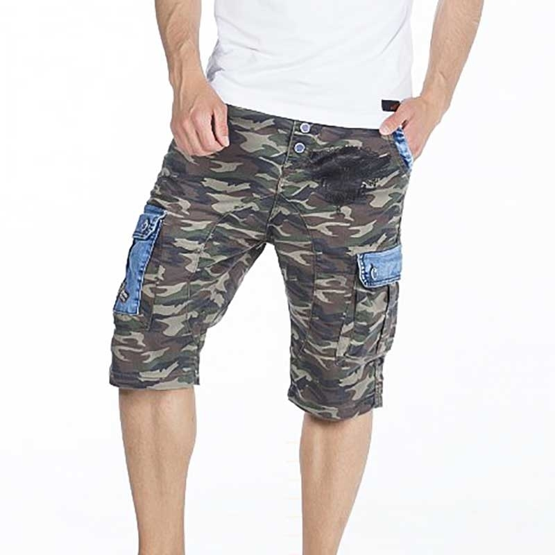 CIPO and BAXX CAPRI- Shorts regular fit CAMOUFLAGE TAVIN Denim CK153 Mainstream olive