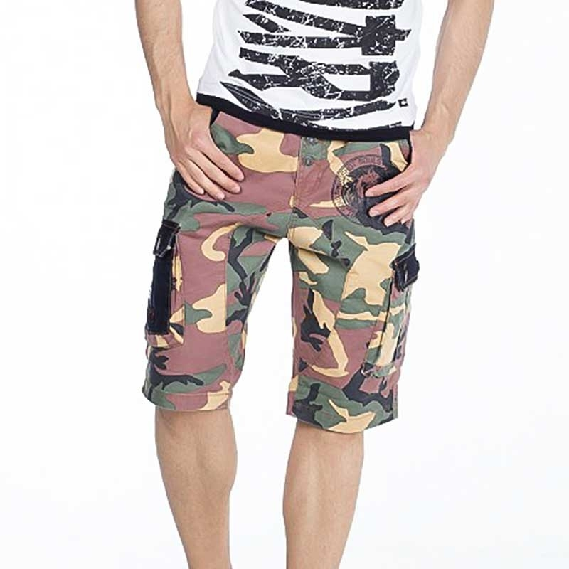 CIPO and BAXX CAPRI- Shorts regular fit CAMOUFLAGE TAVIN Abzeichen CK154 Mainstream olive