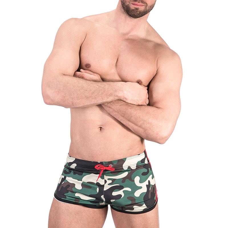 BARCODE Berlin SHORTS athletik 91485 training in camouflage mit Rallyestreifen