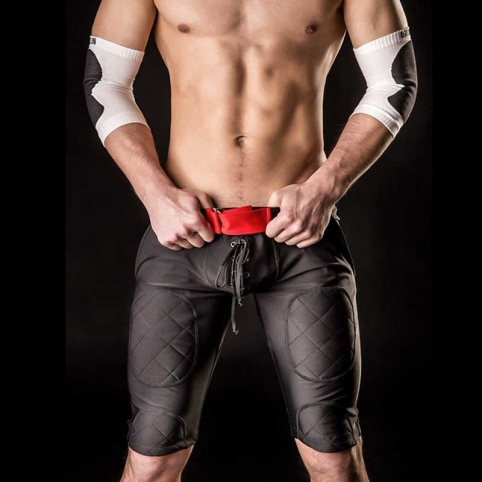 BARCODE Berlin SHORTS Fight REMI American Football 90718 rugby pants black-red