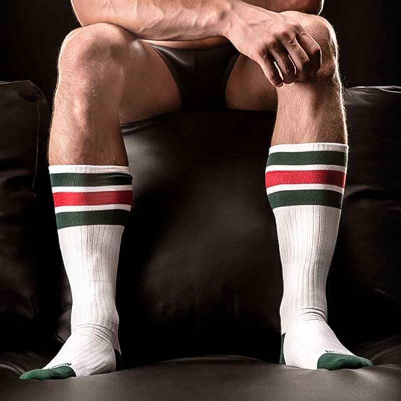 BARCODE Berlin KURZ STRUMPF relaxe-socken white-green-red