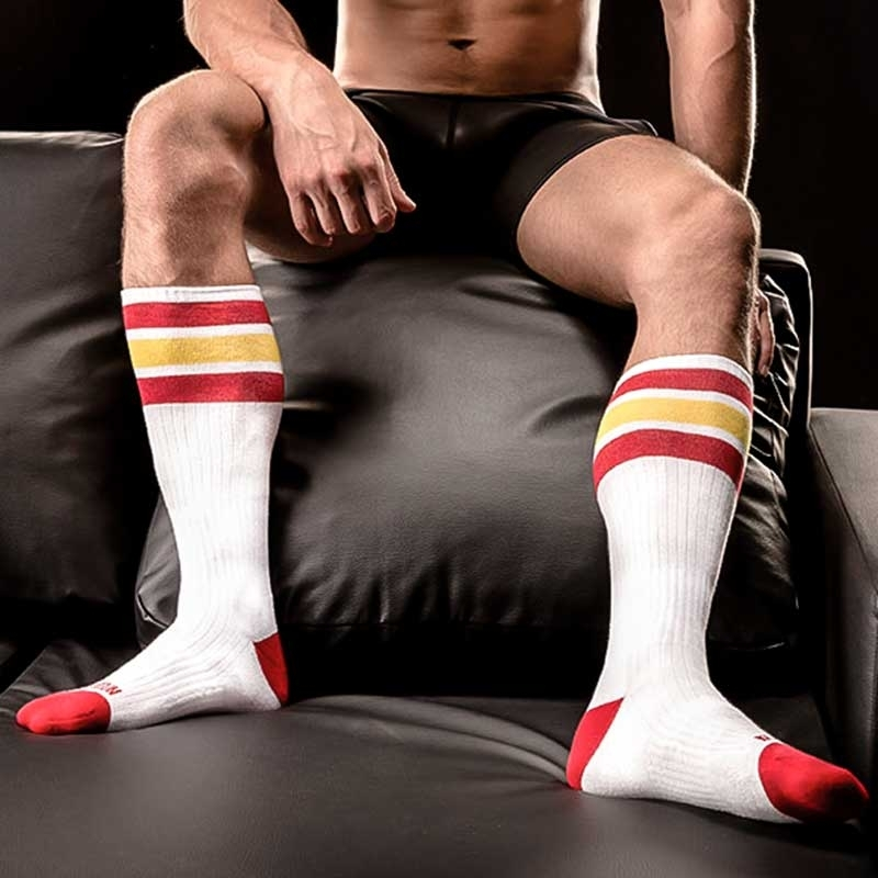 BARCODE Berlin KURZ STRUMPF relaxe-socken white-yellow-red