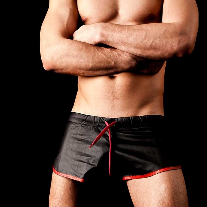 BARCODE Berlin Shorts shine black-red